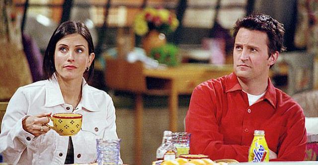 Fejohet ylli i 'Friends' me të dashurën 20 vjet më
