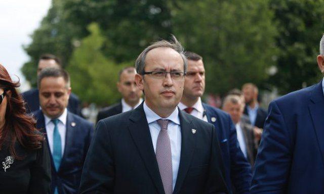 Kryeministri i Kosovës ka dhënë dorëheqjen? Reagon Avdullah