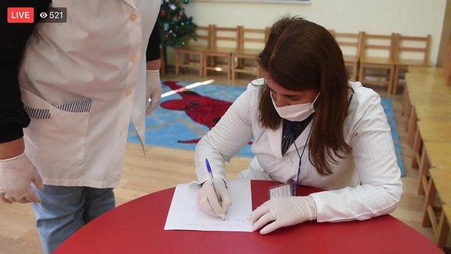 Nis vaksinimi kundër gripit i edukatoreve dhe mësuesve