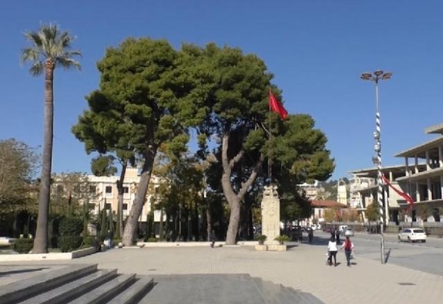 28 nëntori në Vlorë pa qytetarë në shesh. Kryebashkiaku