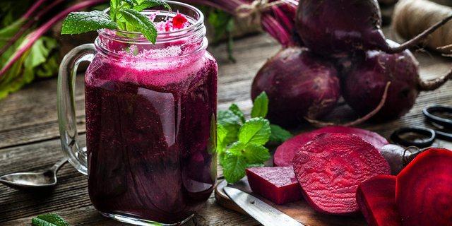 Përfitimet shëndetësore që sjell konsumimi i lëngut