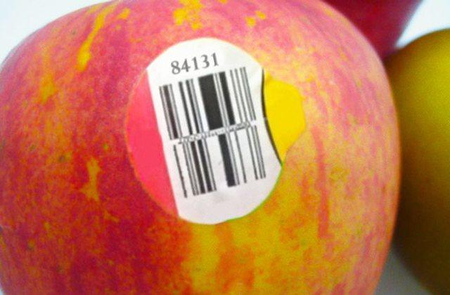 E dini cili është kuptimi i ngjitëseve mbi fruta? Zbuloni