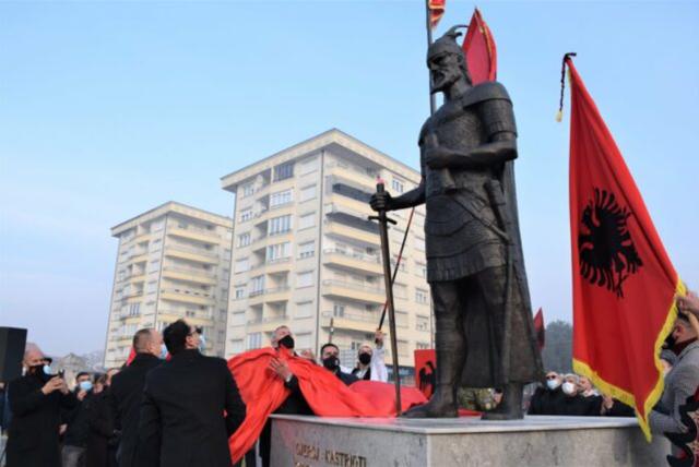 Shtatoret e Skënderbeut dhe Adem Jasharit turpërojnë komunat