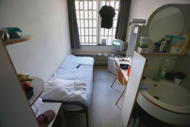 Brenda burgut ku po mbahen ish-komandantët e UÇK-së