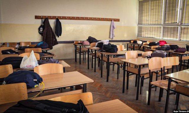 Disa shkolla janë ende me skenarin e parë, me prezencë fizike