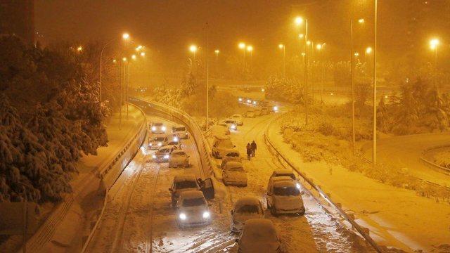 Stuhia që ka mbërthyer Spanjën i drejtohet Ballkanit, prek dhe