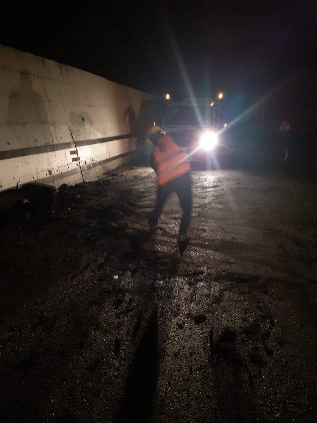 Foto/ Përmirësohet moti, Autoriteti Rrugor: Nuk ka probleme me