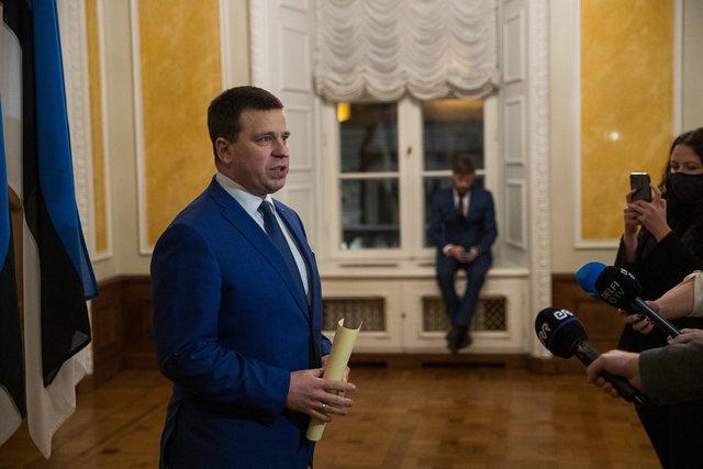 Estonian Prime Minister resigns, accused of corruption