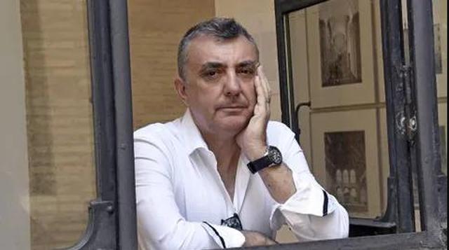 Vizita në Paris e shkrimtarit Manuel Vilas gjatë pandemisë