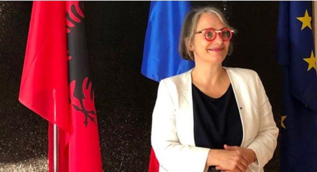 Kritikoi BE-në për vaksinat anti-Covid, Ambasada Franceze i