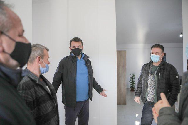 Veliaj me ish-kreun e PD në Baldushk: Deri dje na ndante partia, sot na