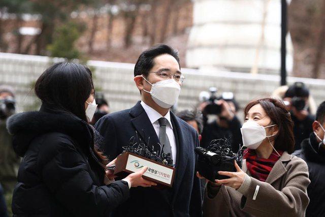 Trashëgimtari miliarder i Samsung denohet me 2.5 vjet burg