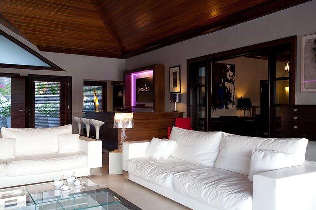 Brenda vilës në Karaibe ku Robbie Williams po bën karantinën