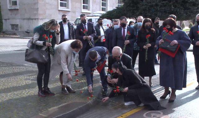 Rama homazhe në Bulevardin 'Dëshmorët e Kombit', vendos