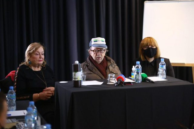 Franca po bën një film për Kadarenë me kujtimet e
