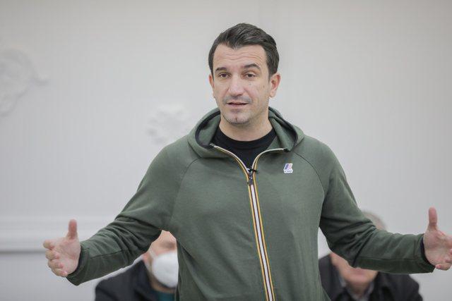 Thirrja e Veliajt për demokratët nga Rrogozhina: Kush nuk