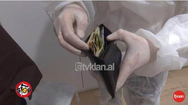 I vodhi paratë dhe kartën e bankës pacientit që vdiq nga