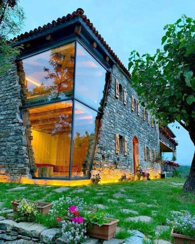 Hoteli i veçantë i Mrizit të Zanave postohet nga faqja e