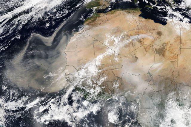 Re pluhuri nga shkretëtirat e Afrikës veriore prekin edhe
