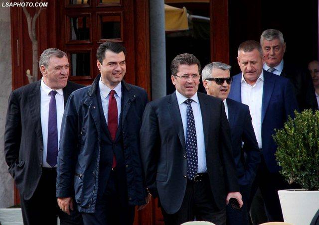 """Zyrtarizohet koalicioni """"Aleanca për Ndryshim""""! Ja partitë"""