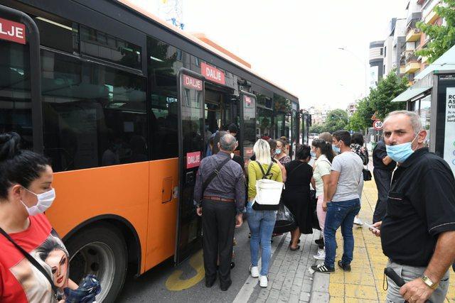 Rakacolli: Të hipësh në autobus është zgjedhje