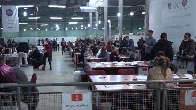 Numërohen votat e diasporës në Kosovë! Sërish dominon