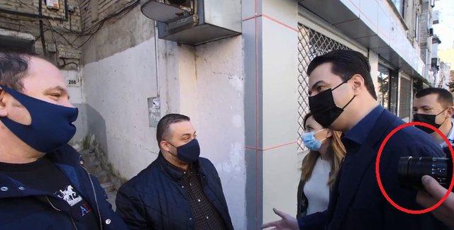 Foto/ Propagandë, propagandë, por vetë Basha shkon me 3