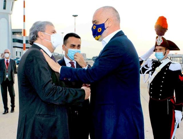 Guvernatori i rajonit të Puglias: Takimi me Ramën më sjell