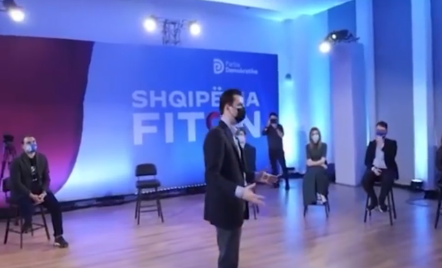 Video/ Rama ironizon Bashën në gafën e radhës
