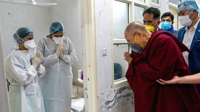 Kush e mendonte se do e shihnim kështu liderin shpirtëror Dalai Lama