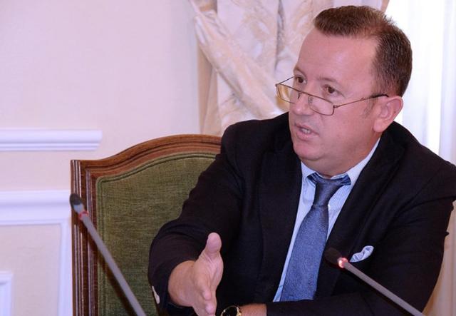 Eduard Halimi rikthehet në politikë, por jo si deputet
