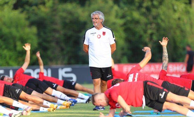 Ish-trajneri atletik i Juventusit dhe Chelsea-t, lektor në kursin e