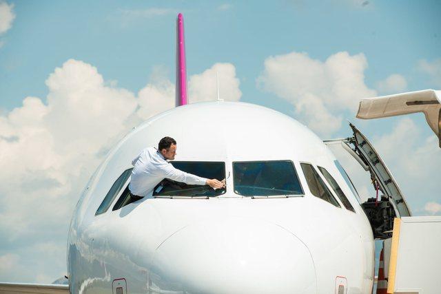 Nga nesër rikthehen fluturimet me Anglinë, TIA informon: Për