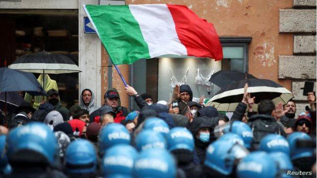 Pronarët e bizneseve në Itali dalin në protestë: Na lini