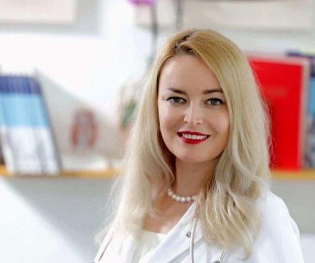 Mjekja shqiptare në Gjermani: Mos besoni lajmet për vaksinat, të