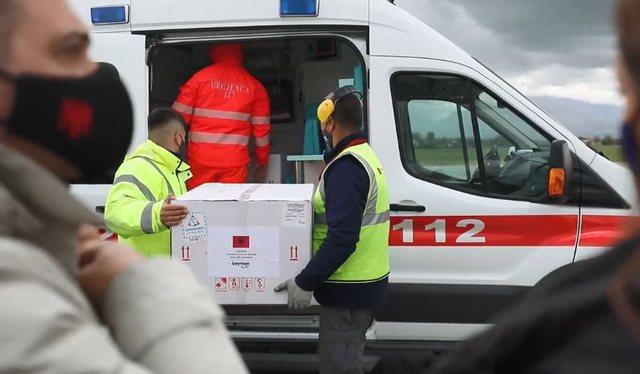 Mbërrijnë 208 mijë vaksina kineze nga Aeroporti i Rinasit
