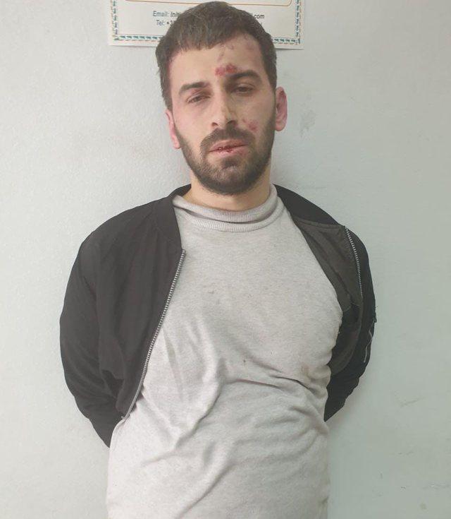 Kush është picajoli që kreu sulmin me thikë në xhami!