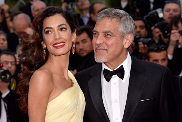 Amal po shikon serialin e vjetër të George Clooney-t dhe si