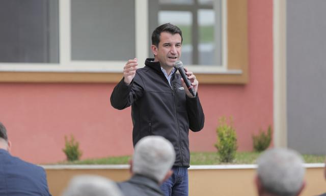 Veliaj nga Petrela: Vazhdo rri i djathtë, por më 25 Prill voto