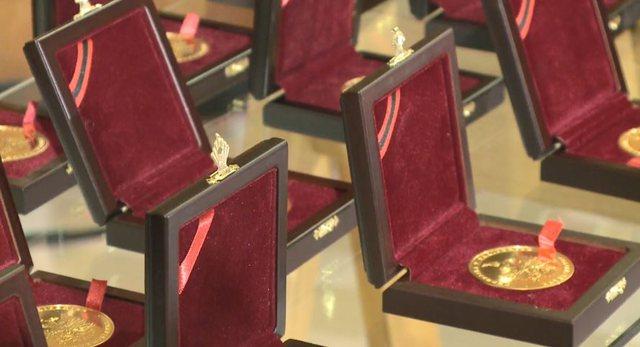 Medalje ari për nxënësit ekselentë, Rama: Nuk harroj