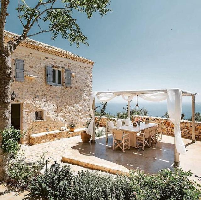 10 ide për ta shndërruar ballkonin ose oborrin e shtëpisë