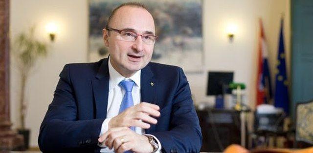 Kroacia i dhuron Kosovës 10 mijë vaksina anti-COVID