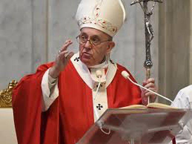 Papa Françesku në mbështetje të presidentit Biden për