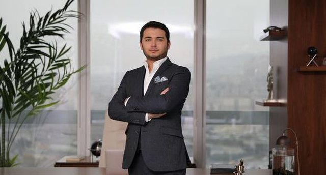Kush është biznesmeni që kërkohet nga Turqia për