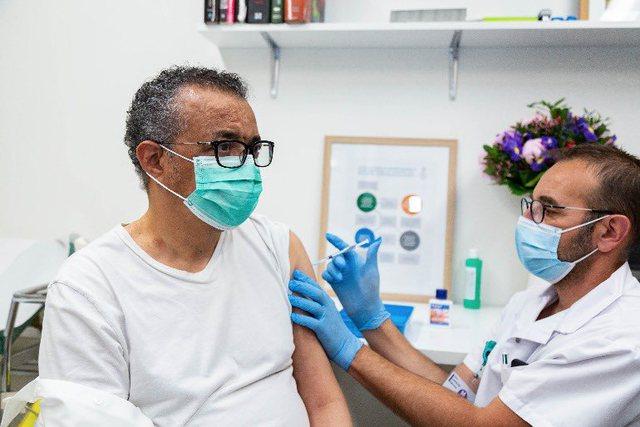Kreu i OBSH merr dozën e parë, por nuk zbulon cilën vaksinë