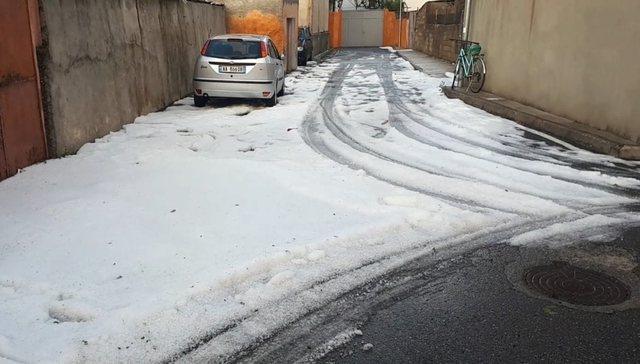 The hail whitens Shkodra