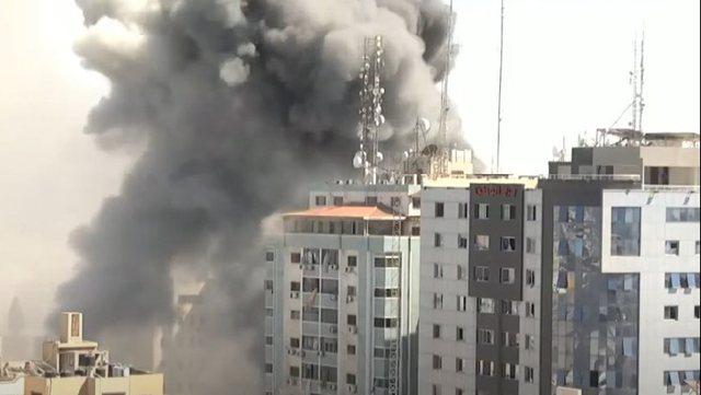 "Izraeli bombardon zyrat e ""Al-Jazeera"" dhe ""Associated"