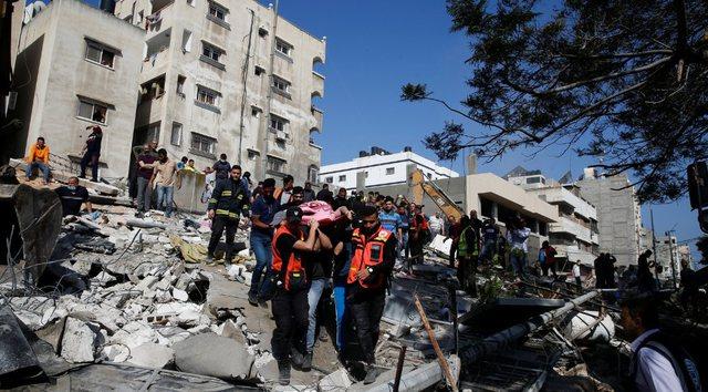 Video/ Al Jazeera sjell pamjet nga njerëzit nën rrënoja në