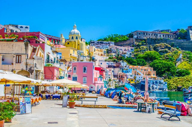Proçida, ishulli i vogël që u shpall kryeqytet i kulturës