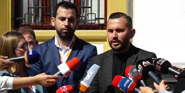 Journalists protest in front of the Assembly: Withdraw from the decision that